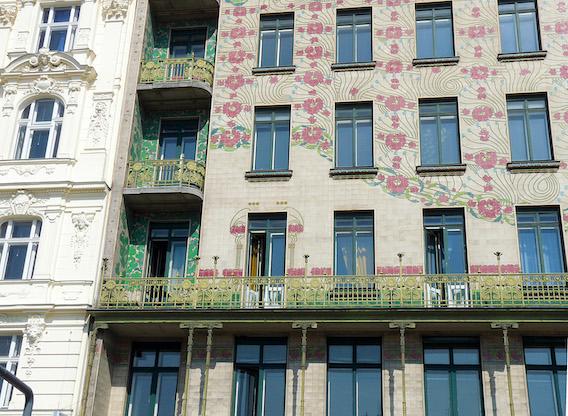 Die Wohnungseigentümergemeinschaft muss bei der Finanzierung einer notwendigen Sanierung das besondere Haftungsrisiko der einzelnen Eigentümer berücksichtigen. Foto: b_EthanPrater | Flickr.com